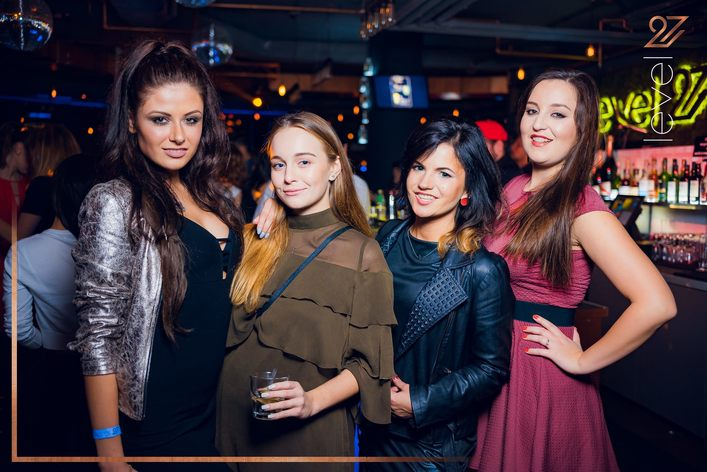 Photo gallery of Ladies love bubbles at club Level 27 in Warsaw on 29.09.2017.